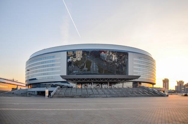Gemeentelijke diensten hebben het sportcomplex van minsk-arena op wedstrijden voorbereid.