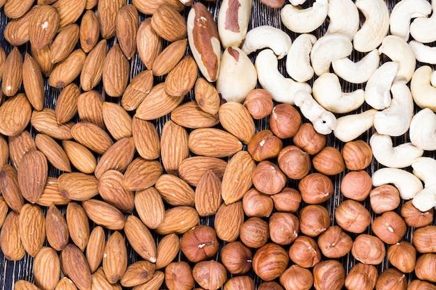 Gemengd cashewnoten, amandelen en hazelnoten