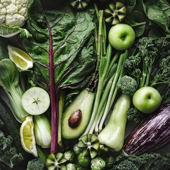 Gemengde groenten plat leggen veganistisch dieetvoedselfotografie
