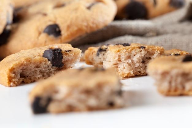 Gemengde havermout en tarwemeel cookies close-up