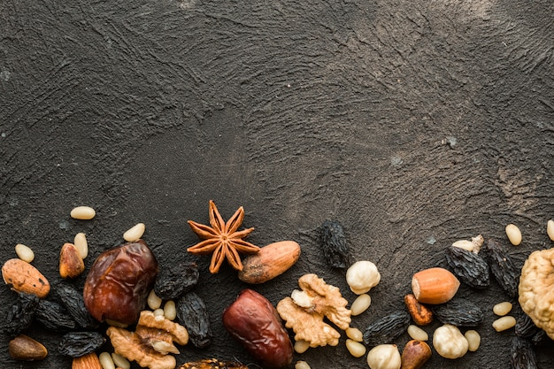 Gemengde noten gedroogd fruit en verschillende noten