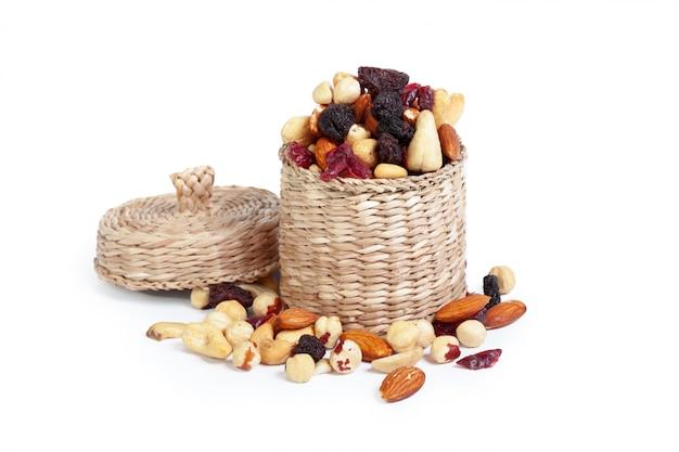 Gemengde noten geïsoleerd