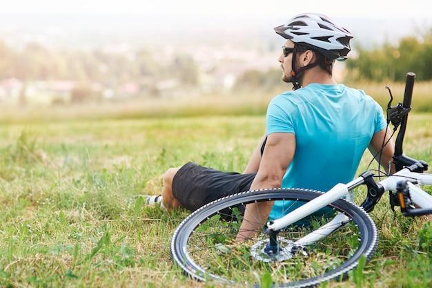 Genieten van het uitzicht tijdens de rit