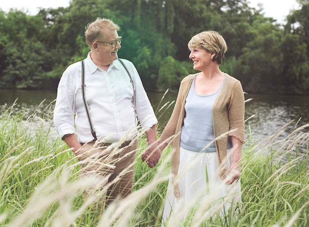 Genot samenhorigheid huwelijk knuffel liefde lachen
