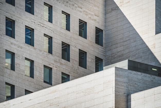 Geometrisch aanzicht van een gebouw