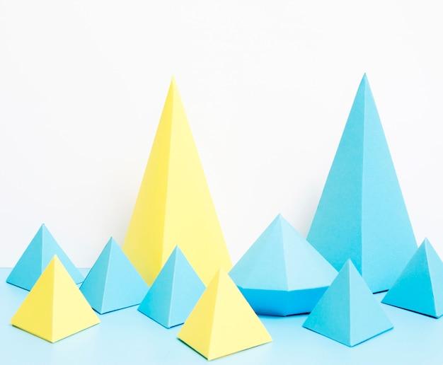 Geometrische vormen van papier