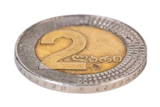 Georgische geld twee lari munt geïsoleerd op wit.
