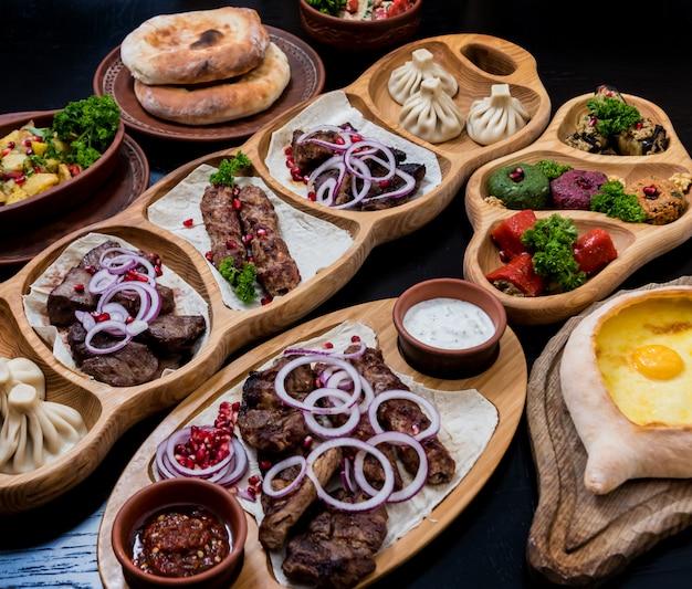 Georgische keuken eten set. georgisch restaurant.