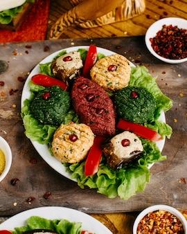 Georgische keuken op tafel