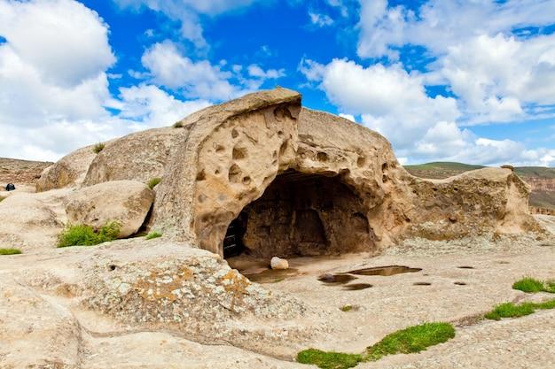 Georgische rotsgrotstad uplistsikhe in georgië