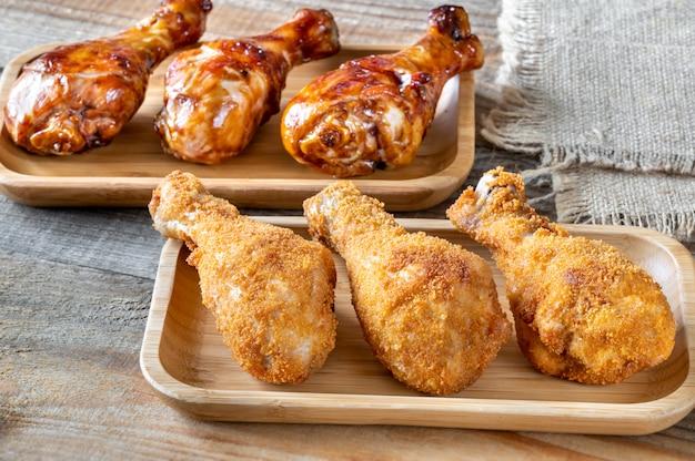 Gepaneerde en gegrilde kippenboutjes