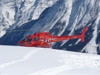 Geparkeerd helikopter de lucht