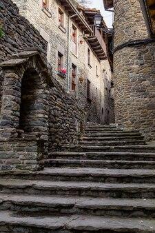Geplaveide straten van een middeleeuws dorp