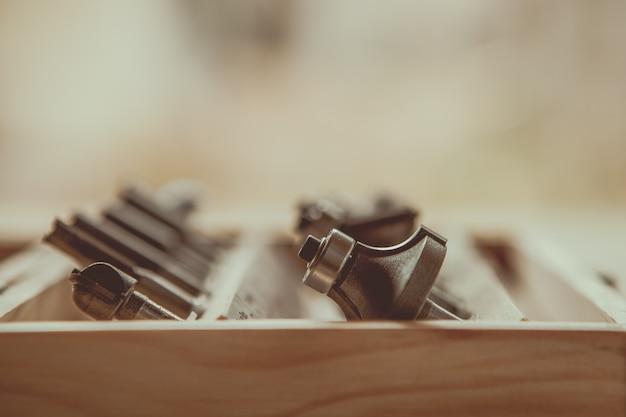 Gereedschap in een houten kist