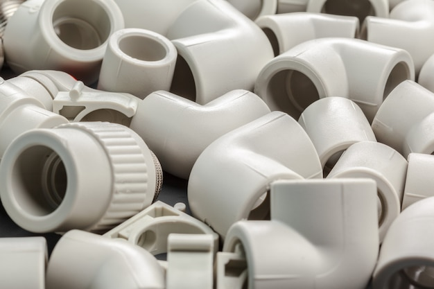 Gereedschappen en materialen voor sanitaire werken