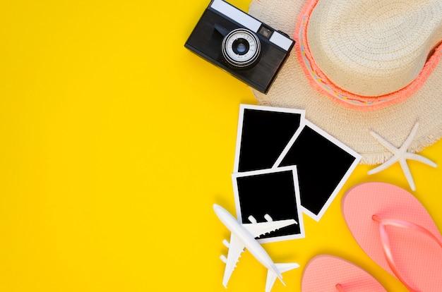 Gereedschappen voorbereid op vakantie met kopie ruimte