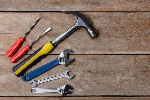 Gereedschapsset, mechanisch gereedschap set hamer, moersleutel, schroevendraaier.