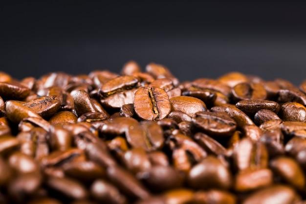 Geroosterd en klaar voor gebruik voor het maken van koffiebonen