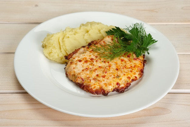 Geroosterd vlees met aardappelpuree