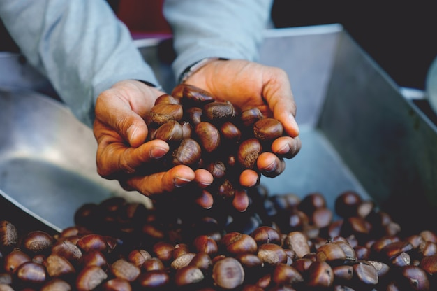 Geroosterde kastanjes, zoet aroma, koffiegeur