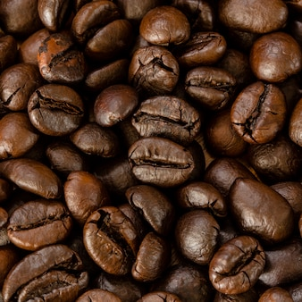 Geroosterde koffiebeacn dicht omhoog