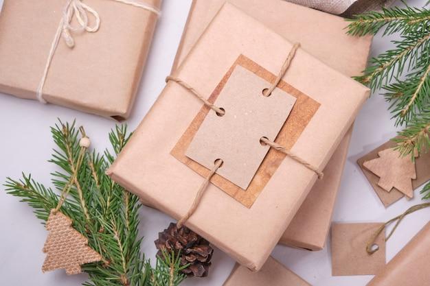 Geschenkdoos verpakt in eco-papier