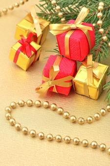 Geschenken en kerstversieringen Premium Foto