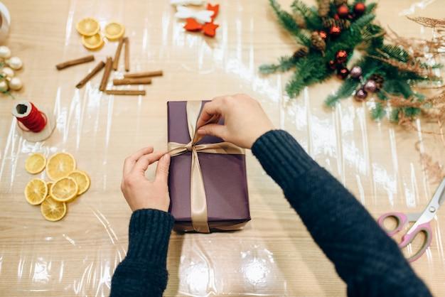 Geschenkverpakking en decoratie, handgemaakte verpakking
