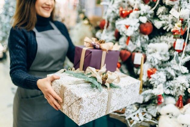Geschenkverpakkingsservice, professionele handgemaakte decoratie.