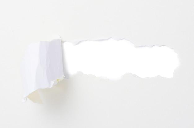 Gescheurd papier banner, geïsoleerd op wit