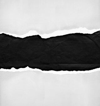 Gescheurd papier met vrije ruimte voor tekst