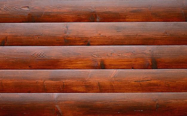 Geschilderd in bruin houten gevelbeplating