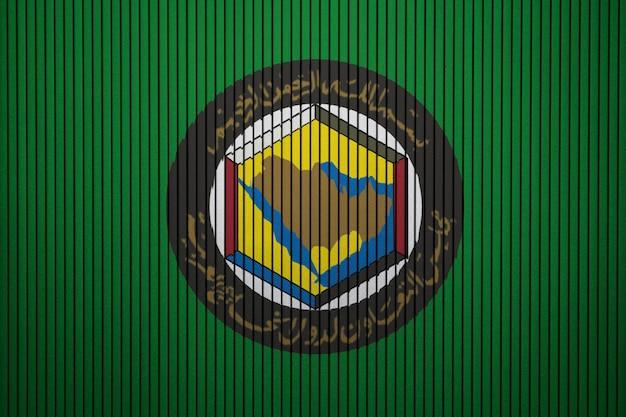 Geschilderde vlag van gcc op een betonnen muur