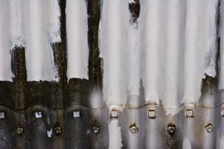 Geschroefde metalen platen