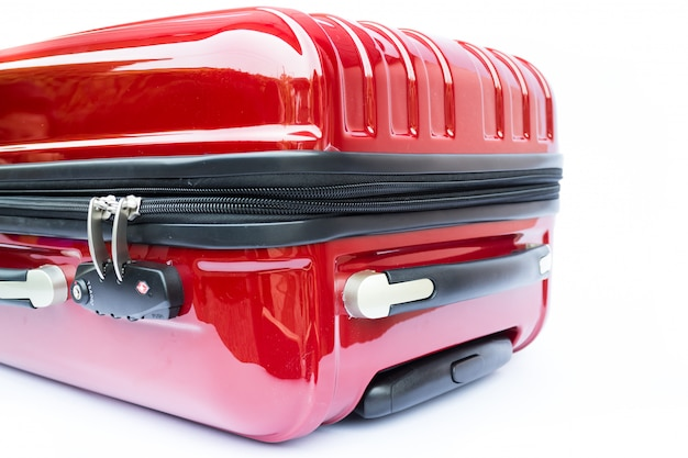 Gesloten en zip gesloten van rode koffer