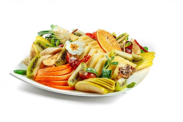 Gesneden diverse soorten fruit.