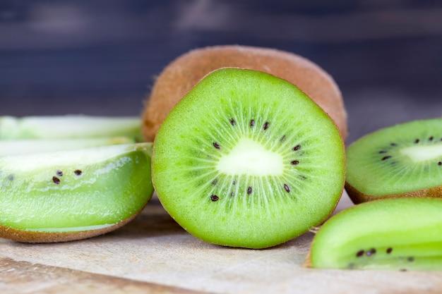 Gesneden groen kiwifruit