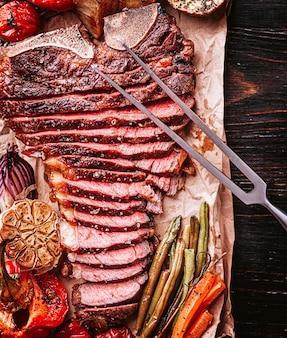 Gesneden sappige verse medium-zeldzame steak