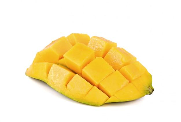 Gesneden van mango op een witte achtergrond