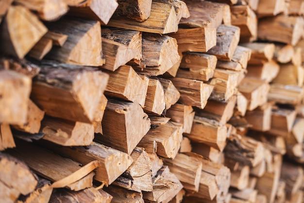 Gestapelde brandhoutachtergrond
