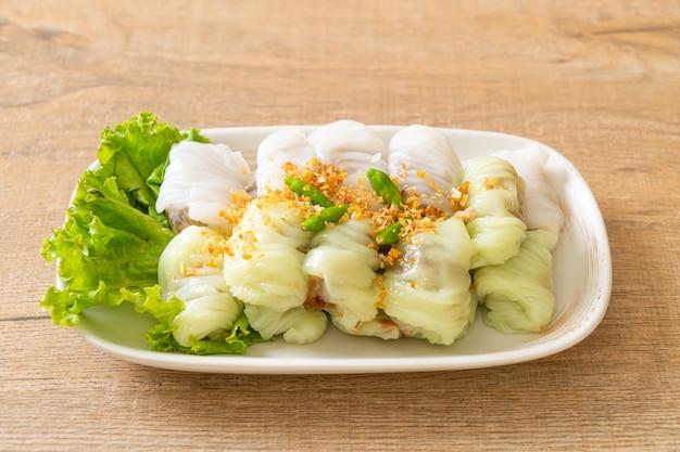 Gestoomde rijst-huid dumplings