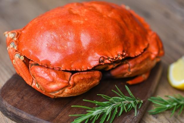 Gestoomde rode krab