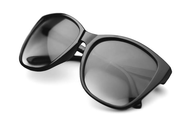 Getinte bril op een witte achtergrond