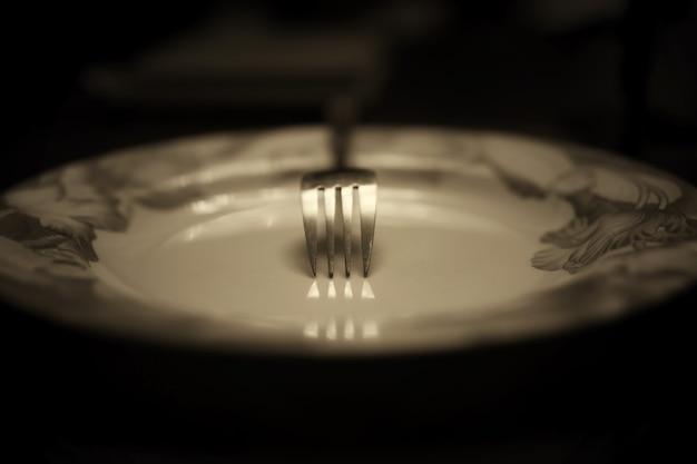 Getinte vork in plaat monochroom