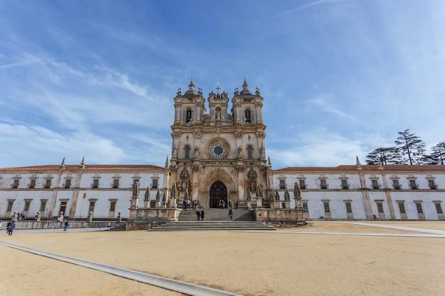 Gevel het klooster van alcobaca.
