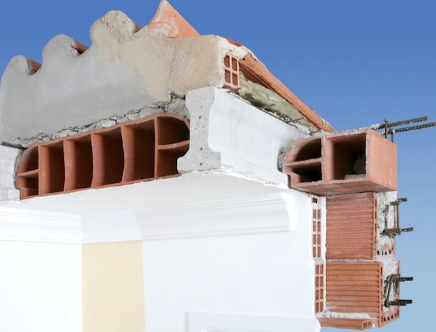 Gevel muur dwarsdoorsnede van bakstenen blokken