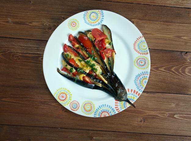 Gevulde aubergine - patlä ± can yelpazesi. turkse keuken