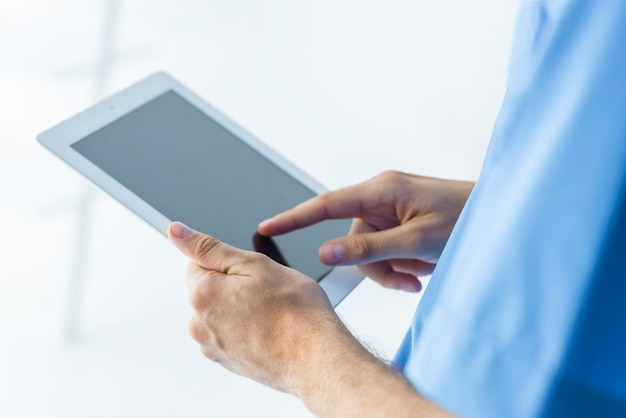 Gewaschirurg browsing-tablet