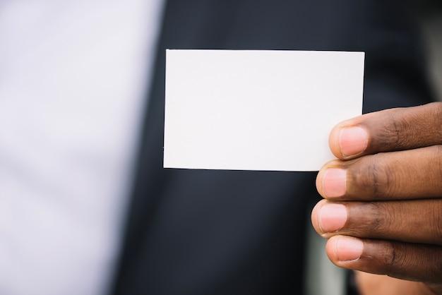 Gewasman die visitekaartje toont