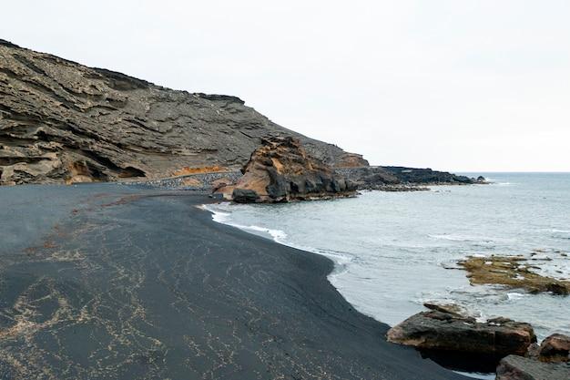 Geweldig landschap van zee
